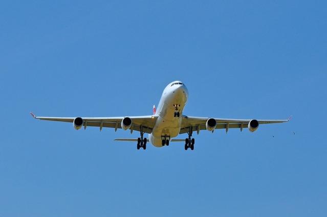 airplane-281121_960_720
